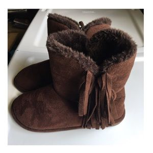 Shoes - Brown boots with fringe Size 6